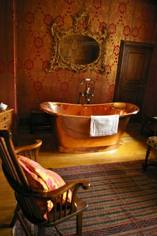 I really covet this bathroom...and the copper bath!