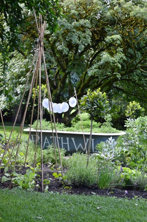 2014 May 5 Bath WI garden - 060