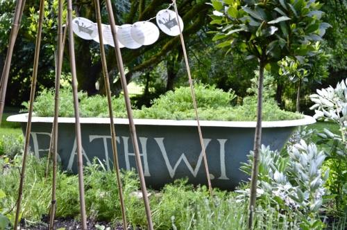 2014 May 5 Bath WI garden - 061