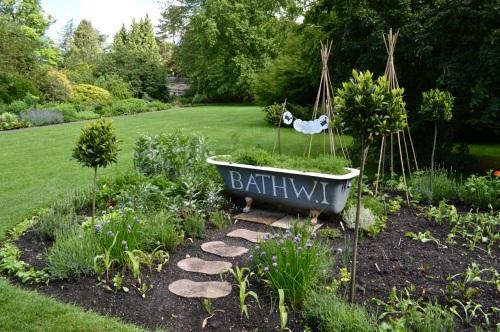 2014 May 5 Bath WI garden - 071